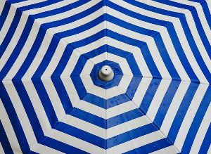 撥水性の落ちた傘