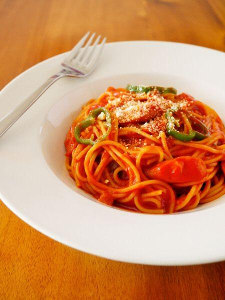 昔ながらの洋食屋さんナポリタン簡単レンジでパスタレシピ