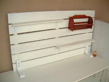 すのこで作る棚の上を有効活用するプチ棚