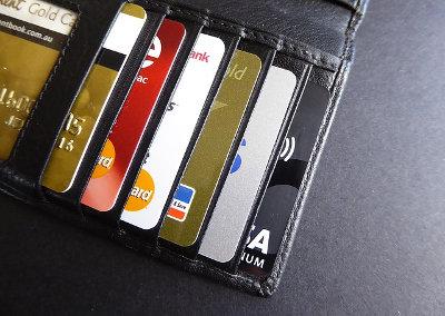 クレジットカード_リボ払いには注意が必要