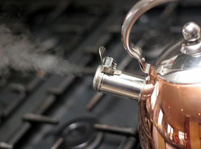 究極に簡単で手軽な白湯健康法_お湯を沸かす